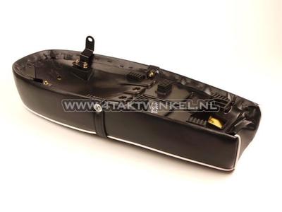 Sitzbank MASH Modelle mit 50, 50, 125 und 250 cm3, schwarz mit weißen Kedern